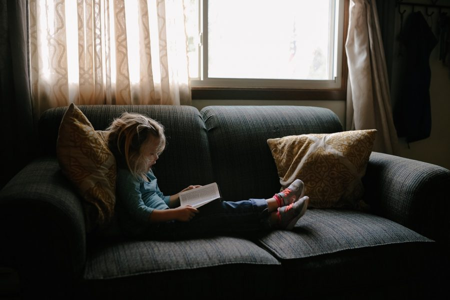 Kanapa rozkładana dla dziecka czy łóżko jednoosobowe?