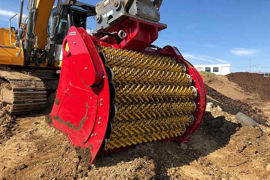Łyżki przesiewowe do ładowarek i ich wykorzystanie w branży budowlanej.