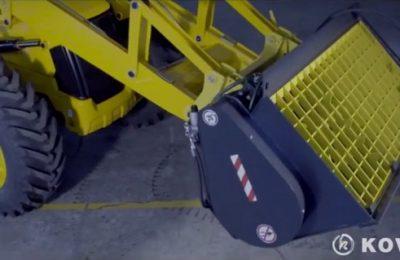 Własna łyżka do mieszania betonu na ładowarkę.